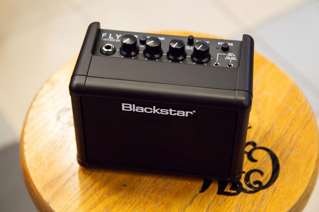 Комбик Blackstar Fly3 вид с верху