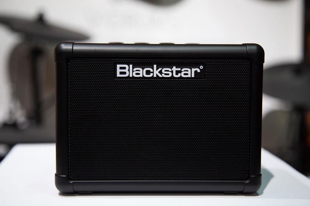 Комбик Blackstar Fly3 вид с переди